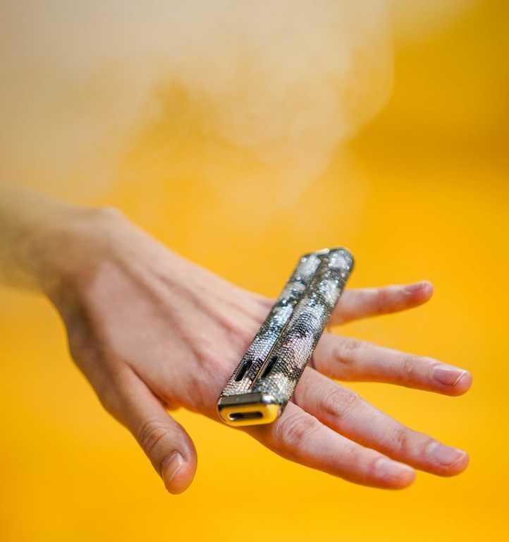 Электронная сигарета за $100 000