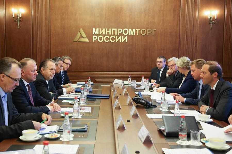 Минпромторг и Минздрав договорились по регулированию электронных сигарет.О чём речь?
