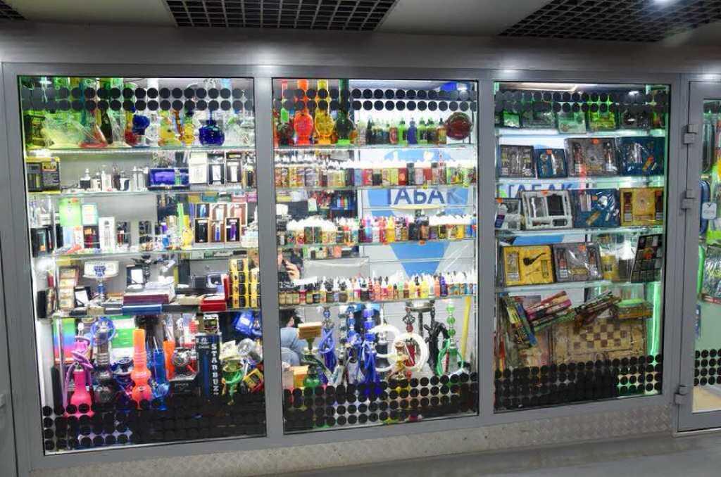 На Дону приняли закон, запрещающий продажу электронных сигарет несовершеннолетним.Эксперимент показал, что купить вредную продукцию в Ростове может любой ребенок