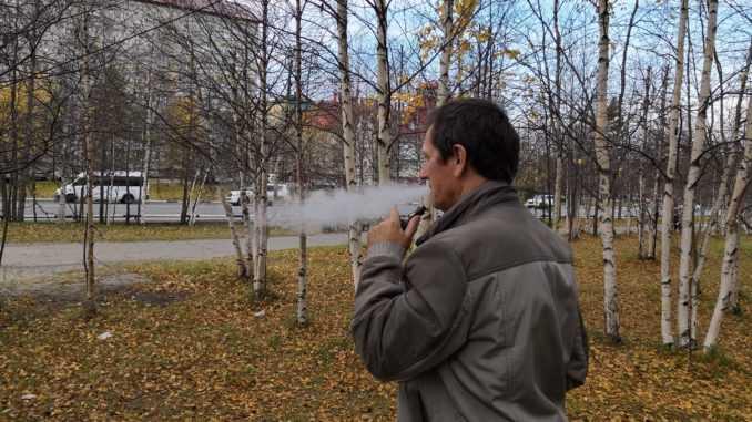 На Ямале хотят запретить вейпы в общественных местах.Популярность электронных сигарет