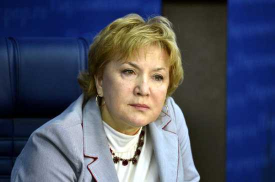 Лариса Попович